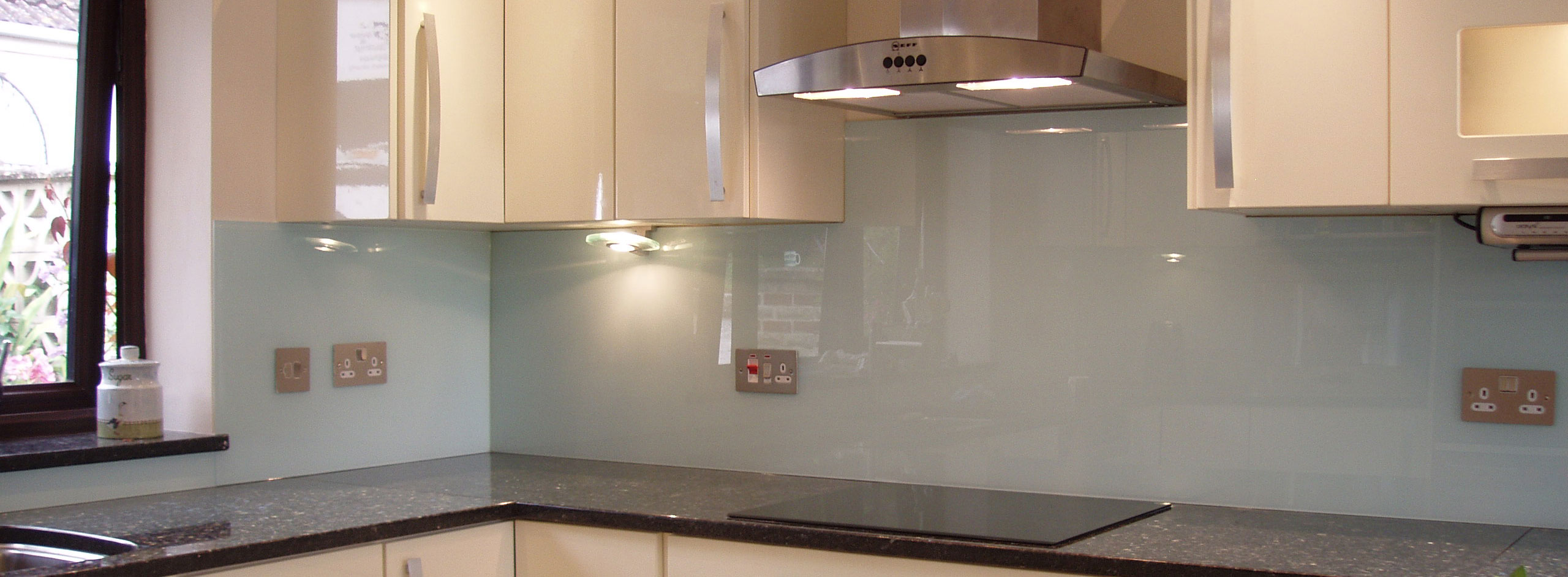 538249_srf-glass-splashbacks(5).jpg